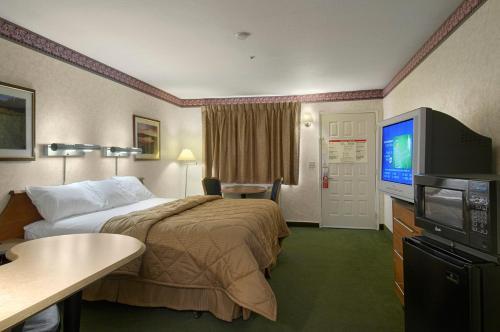 Red Roof Inn Victorville - Victorville, CA CA 92395
