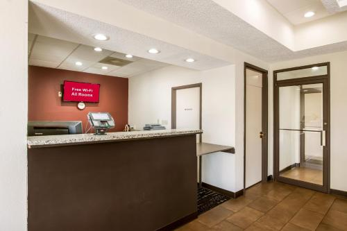 Red Roof Inn & Suites Statesboro - University