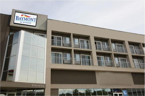 Baymont by Wyndham Fort McMurray- Formally Platinum Hotels - Fort McMurray, AB T9H 2J3