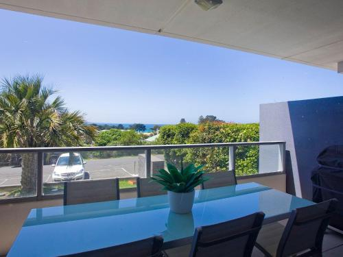 . LORNE CHALET APARTMENT 10 - ask about midweek deals