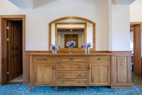 Deluxe Two-Bedroom Suite