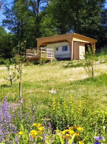 carazen , caravane chauffée - Camping - Saint-Silvain-Bellegarde