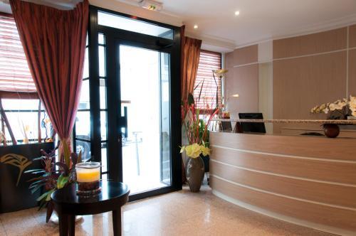 Hôtel des Deux Avenues photo 43