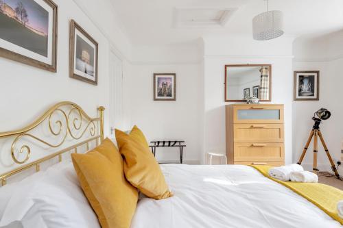 Spacious Apartment In Bath