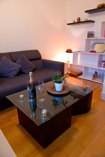 . Apartment with 2 bedrooms in AixlesBains 2 km from the beach