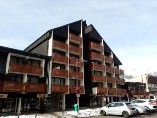 Appartement Besse-et-Saint-Anastaise-Super Besse 1 pièce 6 personnes - FR-1-395-15