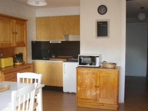 Appartement Besse-et-Saint-Anastaise-Super Besse 1 pièce 4 personnes - FR-1-395-16