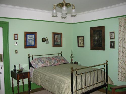 Gower Manor Historic Bed & Breakfast - Photo 2 of 40