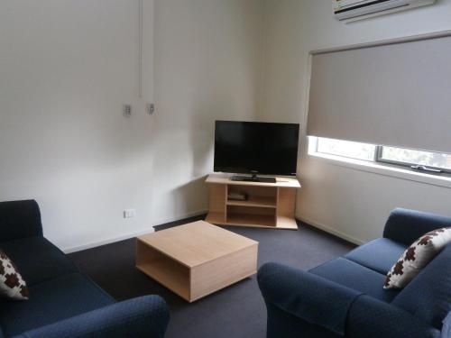 Фото отеля Sovereign Views Apartments