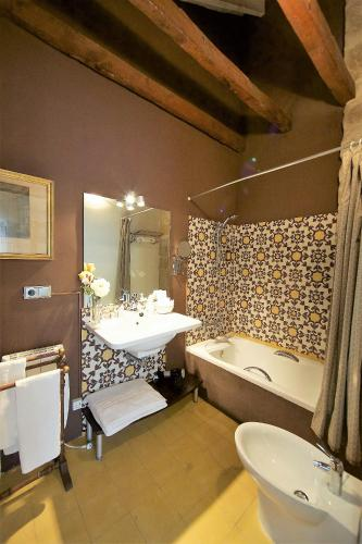 Deluxe Doppelzimmer  Hotel Boutique Nueve Leyendas 4