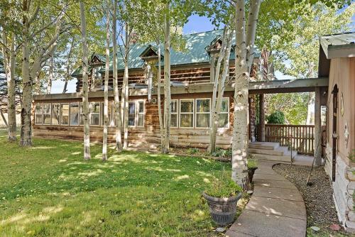1645 Capital Creek Resort & Event Grounds home - Snowmass
