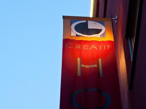 1st Creatif Hotel Elephant photo 3