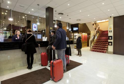 Hotel Puerta de Toledo - image 14