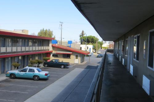 Capri Motel - Redwood City, CA 94063