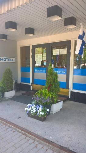 . Hotelli Tarjanteen majoitushuoneet Virrat