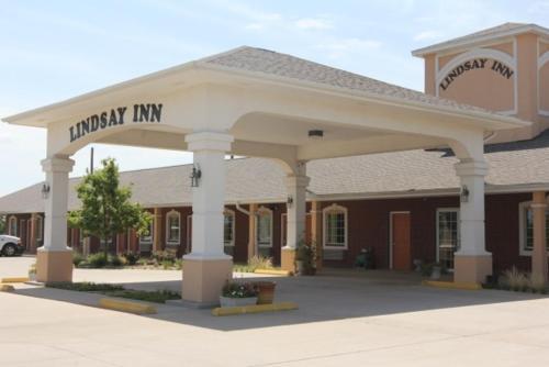 . Lindsay Inn