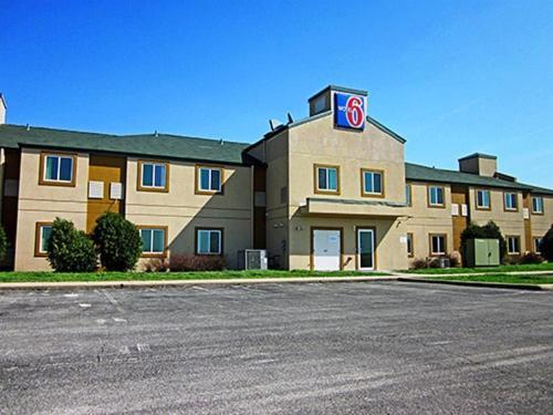 Motel 6 Minonk