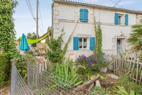 . Apartment with one bedroom in Mortagne sur Gironde with furnished garden and WiFi 12 km from the beach