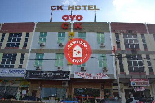 . OYO 89715 CK Hotel