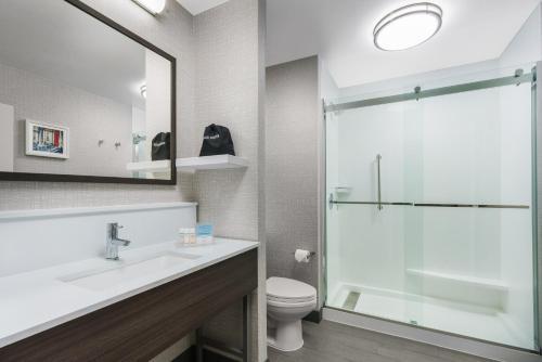 Hampton Inn & Suites Baltimore Inner Harbor Main image 1