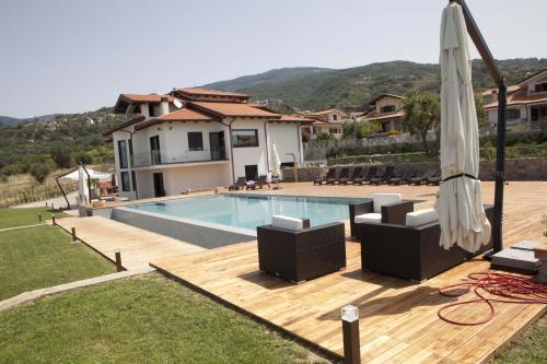 . Villa Mediterraneo