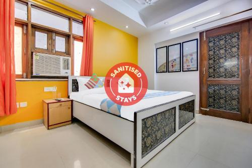 . Lively 1 BR Stay near Iskcon Temple(550m)