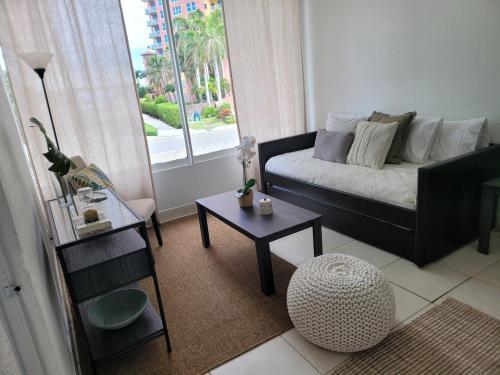 Hotel Motel Lauderdale Inn - image 14