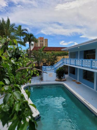 Hotel Motel Lauderdale Inn - image 10
