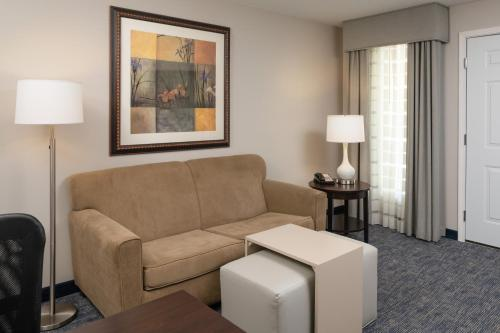 Homewood Suites by Hilton Chicago - Schaumburg, IL IL 60173