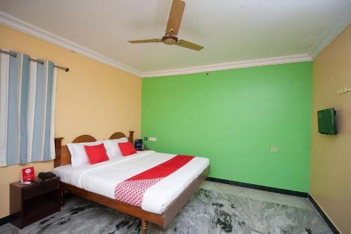 . OYO 26746 Sruthi Residency