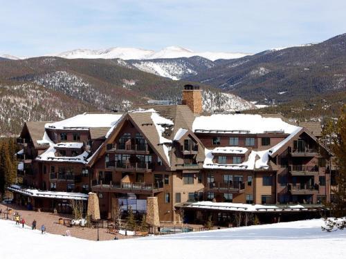 Crystal Peak Lodge By Vail Resorts - Accommodation - Breckenridge