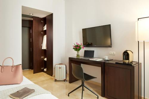 Double or Twin Room (1-2 Adults) Hotel Posada del Lucero 21