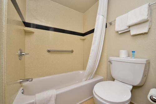 Americas Best Value Inn Six Flags Vallejo Napa Valley - Vallejo, CA 94589