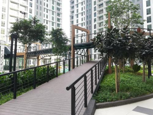 Kepong Lake View Residence, 4 Bedrooms Muji Comfy Unit, 3min FRIM & 5min Batu Cave, Kuala Lumpur