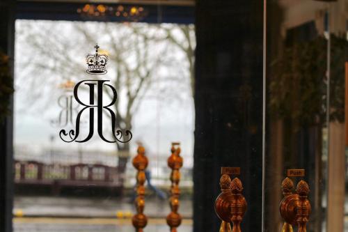 Royal Hotel - Photo 5 of 39