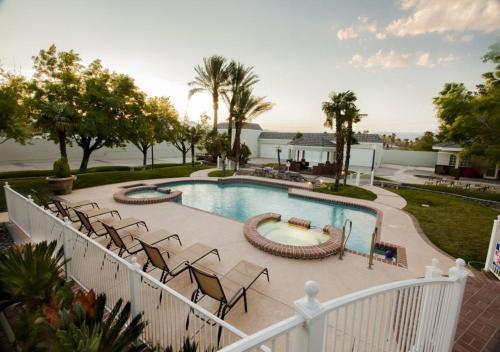 Villa Carota - 6 bedrooms and a Casitas