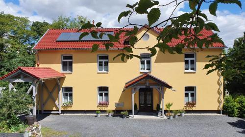 . Haus Eveline - Ferienwohnungen unterhalb der Wartburg -