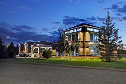 SureStay Plus Hotel by Best Western Drumheller - Drumheller, AB T0J 0Y0
