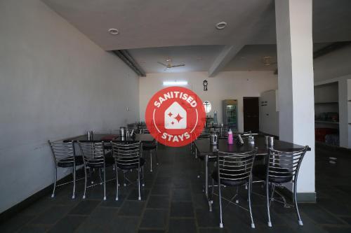 . OYO 37077 Hotel Rawat