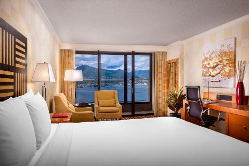 Pinnacle Hotel Harbourfront - Vancouver