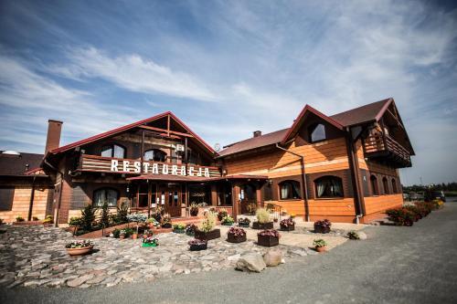 . Hotel Trzy Podkowy***