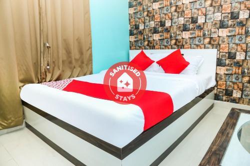 . OYO 43274 Hotel Sonar Gaon