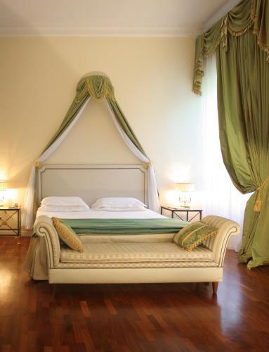 Via Francesco Puccinotti, 46, 50129 Firenze, Italy.