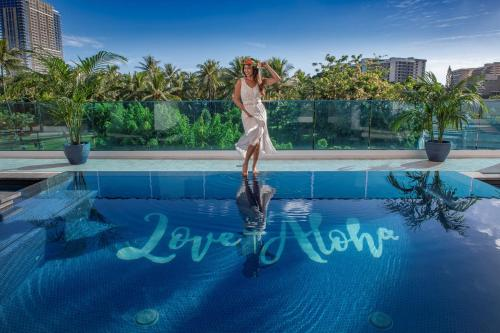 Hotel LaCroix Waikiki - Honolulu, HI HI 96815