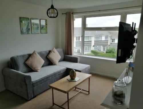 Bright Porthleven Apartment