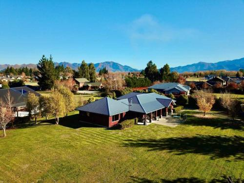 Woodbank Estate Bed and Breakfast - Accommodation - Hanmer Springs