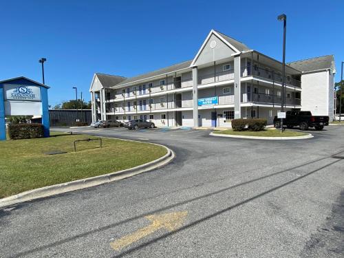 Hotel Motel 6 Savannah