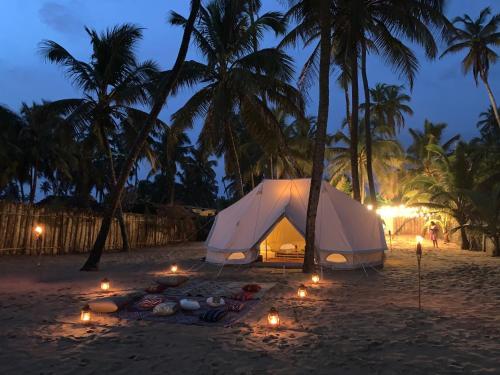 Natura luxury beach camp