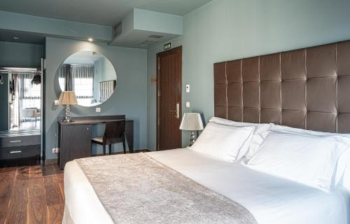 Habitación Doble Superior Pamplona Catedral Hotel 15