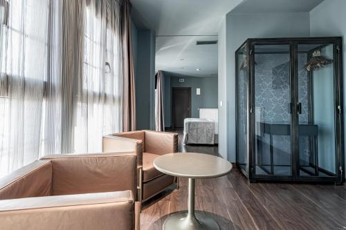 Suite Pamplona Catedral Hotel 12